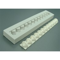 Patterned bead border  AM0052